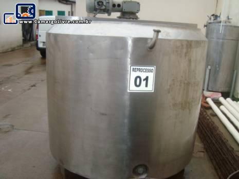 Tina de maturação para 1.700 litros em aço inox