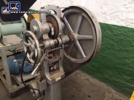 Compressora de comprimidos Neuberger